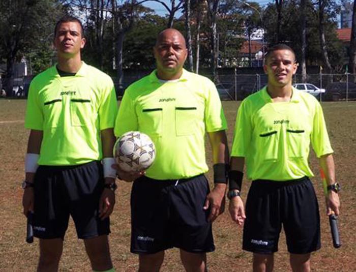O Trio de Arbitragem foi composto por Marcos Tadeu, Willian e Leandro