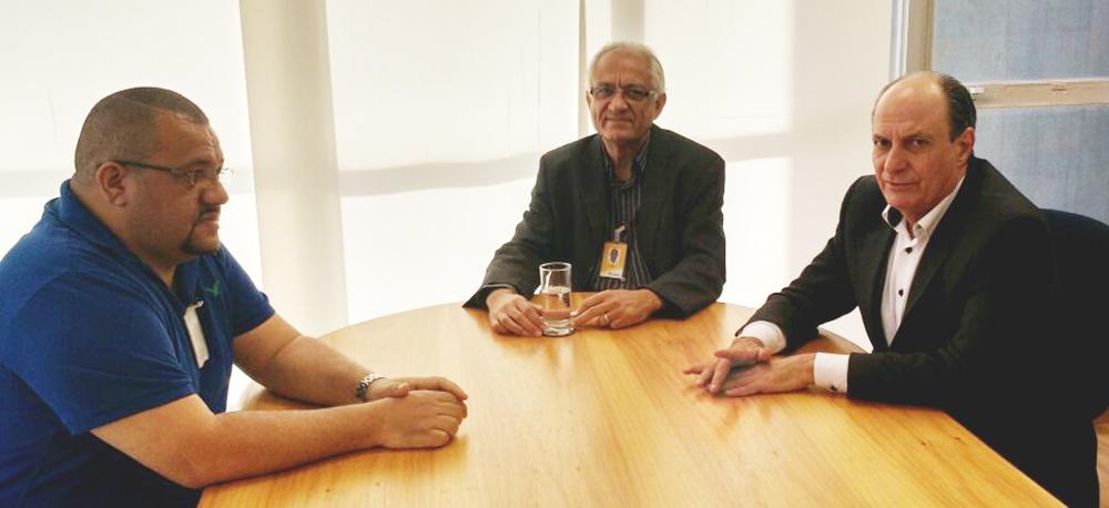 Diviza em reuniao com o Vice-Presidente do Negócio Postal Antonio Tomas - 24-07-2015