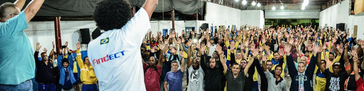 interna_topo_assembleia_decide_manter_estado_greve_trabalhadores_votando_sintect_sp_14_12_16