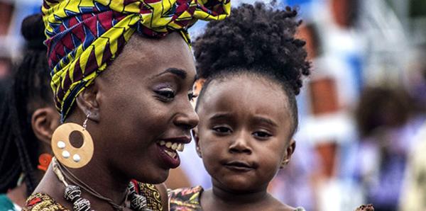 Mulher-negra-filha